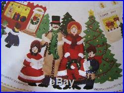 BUCILLA FELT Applique TREE SKIRT Kit, A DICKENS CHRISTMAS, Town Square, 82834,43