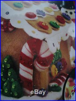 Bucilla FELT Applique Holiday Christmas Craft Kit, GINGERBREAD HOUSE, 85261,2005