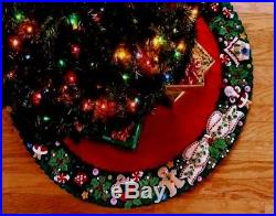 Bucilla MARY'S WREATH Engelbreit Felt Christmas Tree Skirt Kit OOP FactoryDirect