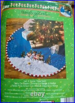 Bucilla Mary Engelbreit LET IT SNOW Christmas Tree Skirt Kit NEW 43IN #86680