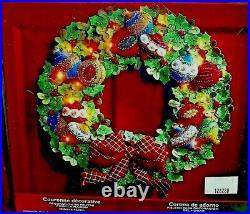 Bucilla ORNAMENT WREATH Lighted Felt Christmas Kit OOP Factory Direct NEWRARE