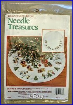 Charlie Brown and Snoopy Playmates Christmas Tree Skirt Cross Stitch Kit Peanuts