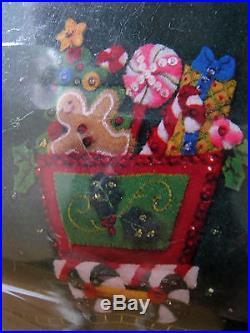 Christmas BUCILLA Felt Applique Holiday TREE SKIRT Kit, CANDY EXPRESS, 86158,43