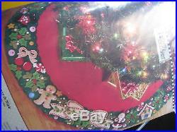 Christmas BUCILLA Felt Applique TREE SKIRT Kit, MARY'S WREATH, Engelbreit, 85466,42