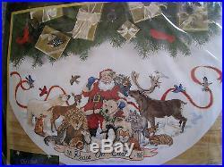 Christmas Dimensions GOLD Counted Tree Skirt KIT, SANTA'S WILDLIFE, Race, 45,8565