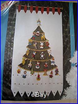 LeeWards Felt Applique Holiday Craft CALENDAR Kit, CHRISTMAS ADVENT, 14-38761, MIP