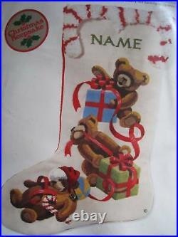 Sunset Crewel Stitchery Holiday Stocking KIT, JINGLES LOVES CHRISTMAS, #2001,18